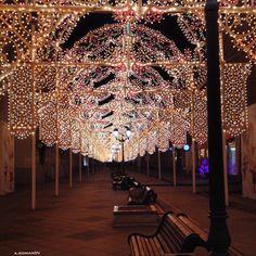 Moscow. Новогодняя Москва, украшенная разноцветными огнями, завораживает и погружает всех в сказку. #moscow #москва #вдохновение #сказка #inspiration #fairytale