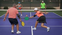 Reviews of 5 of the best pickleball paddles on the market. Find the best pickleball paddle to meet your needs. More power? Quieter? More control? Discover which ones got it.