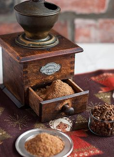 *Old coffee grinder -- aw, my great Nonna had this exact one and I remember using it at her house! Brings back memories :)