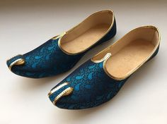 Blue Paisley Shoes,Mens Shoes,Mens Slippers,Flats,Mens Flats,Handmade Slippers, Indian Shoes,Mens slip on Shoes