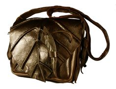Leaf/Elvish bag...this is so cool...if it could fit all my stuff I would use this every day