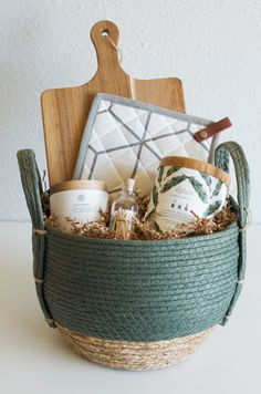 Welcome Home Deluxe Gift Collection — Spruce Supply Co. Creative Gifts, Cool Gifts, Diy Gifts, Best Gifts, Creative Gift Baskets, Housewarming Gift Baskets, Kitchen Gift Baskets, Practical Housewarming Gifts, Holiday Gift Baskets