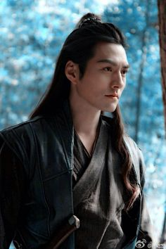 Because Chinese men with long hair are so fucking hot. It'd be great if anyone could tell me who this guy is.