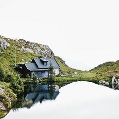 «My dream cabin somewhere in Norway ! #latergram»