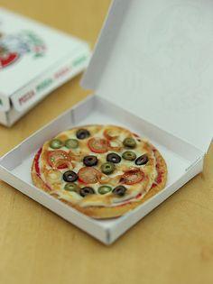 Veggies Pizza - 1:12 Dollhouse Miniature Food Check out missdollhouse.com