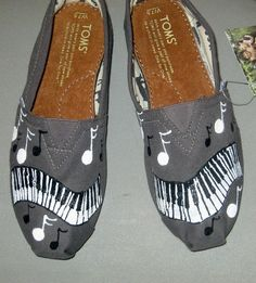 Music note Toms! I want these so bad!