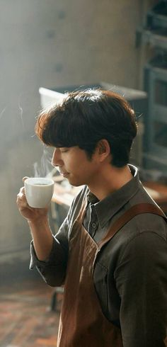❤❤ 공유 Gong Yoo ♡♡ Life was its usual and then there's Yoo..