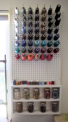 Ideen Bastelraum Pegboard Ideen Tutorials ideas Sewing Best Picture For Frame Crafts for boys For Your Taste You are looking for something, and it is Craft Room Storage, Sewing Room Storage, Sewing Room Organization, My Sewing Room, Sewing Rooms, Clothes Storage, Organizing Ideas, Diy Clothes, Thread Storage