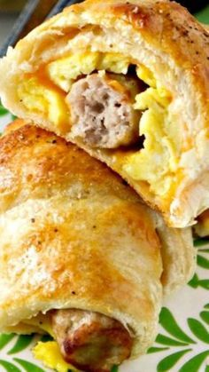 These Sausage, Egg and Cheese Breakfast Roll-Ups use crescent rolls for a quick and easy hearty breakfast on the go! These Sausage, Egg and Cheese Breakfast Roll-Ups use crescent rolls for a quick and easy hearty breakfast on the go! What's For Breakfast, Breakfast Items, Breakfast Dishes, Quick Easy Breakfast, Breakfast Pizza, Sausage Breakfast, Quick And Easy Breakfast, Christmas Breakfast, Breakfast Croissant