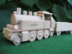 Parní lokomotiva, dřevěné hračky s textem na přání. SKLADEM eshop www.soly.cz