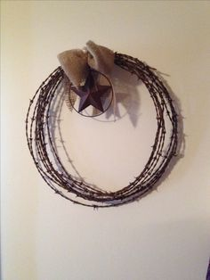 My burlap bow and barbed wire wreath rustic look easy craft