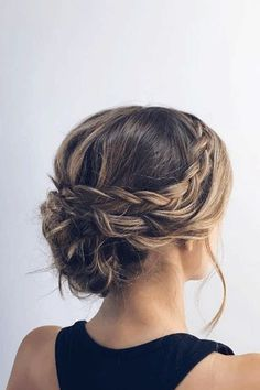 Canapés of long hairstyles Bob; It is, in the first place, among the hair styles that all ladies love very much. Models that can create very different designs with hair colors like sweep and shadow are very cool. Pretty Hairstyles, Braided Hairstyles, Braided Updo, Bridesmaid Updo Hairstyles, Hairstyle Ideas, Low Bun Updo, Bridal Hairstyle, Braided Messy Buns, Chignon Updo Short Hair