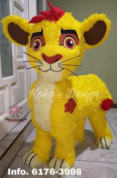 Horse Birthday Parties, Birthday Party Decorations, Party Themes, Christmas Decorations, Paper Mache Diy, Paper Mache Projects, Lion King Party, Lion King Birthday, Fiesta Mickey Mouse
