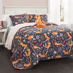 This cute and fun set is a great pickup for children of all ages. Foxes are playfully frolicking in a field and appear as if they are truly in motion. On the bottom layer, you have a cascade of lovely