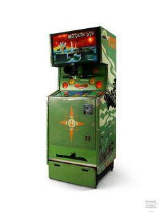 Cuando vuelvo la vista atrás, y veo las maquinas arcade soviéticas clásicas, tengo la misma impresión que al ver los restos de un neanderthal: una especie alternativa que el azaroso destino no quiso que reinara.