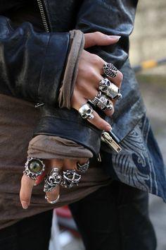 Grunge Accessories, Grunge Jewelry, Gothic Jewelry, Jewelry Accessories, Hand Jewelry, Cute Jewelry, Jewelry Rings, Jewelery, Skull Jewelry