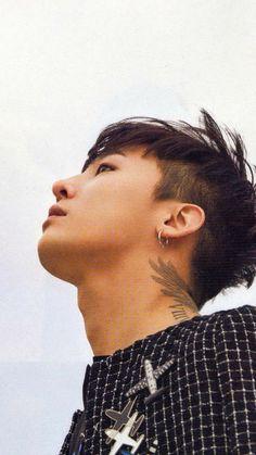At a perfect angle #GDRAGON #KwonJiYong #wallpaper [owner]