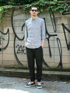 GapJapan_Men│GAPのパンツコーディネート 【フラッグシップ原宿スタッフ注目コーデ】 夏から引き続き人気のジョガーパンツで旬のスポーツMIXスタイル。黒で締めてシャツを合わせればカジュアルすぎず、オールラウンドで活躍。 シャツ (Color:グレー/¥6,900/ID:941770/着用サイズ:M) ジョガーパンツ (Color:ブラック/¥6,900/ID:110444/着用サイズ:M) その他:参考商品 スタッフ身長:185cm ■フラッグシップ原宿 http://loco.yahoo.co.jp/place/g-NGqr9rKmVZc/ ■オンラインストアはこちら http://www.gap.co.jp/browse/division.do?cid=5063 ■GapストアスタッフコーデをWEARで見る(Women) http://wear.jp/gapjapan/ ■GapストアスタッフコーデをWEARで見る(Men) http://wear.jp/gapjapanmen/