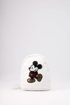 Σακίδιο πλάτης λευκό με σχέδιο του Μίκυ από κεντημένες πούλιες. ΚΩΔ.: 717.030 ΤΗΛ: 2510 241726 Snapback, Baseball Hats, Fashion, Moda, Baseball Caps, Fashion Styles, Caps Hats, Fashion Illustrations, Baseball Cap