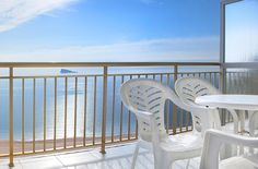 Hotel Servigroup Torre Dorada, un hotel con inmejorables vistas al mar. // The Hotel Servigroup Torre Dorada, a hotel that provides unbeatable sea and mountain views