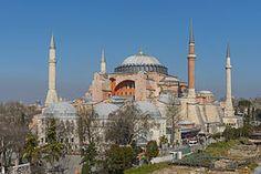 """""""Basílica Santa Sofia """"  Estilo: Bizantino  Tipo de edificio: Catedral Griega, Romana, Mezquita y actual Museo.  País y ciudad: Estambul- Turquia"""
