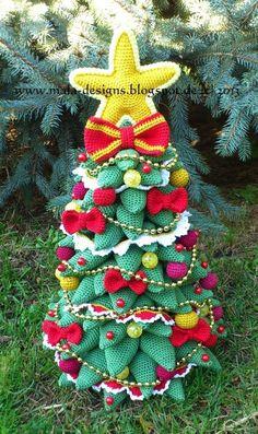 Crochet Tutorials – Herrmanntanne, Weihnachtsbaum,Häkelanleitung – a unique product by Mala-Designs on DaWanda Crochet Tree, Crochet Motifs, Crochet Christmas Ornaments, Christmas Knitting, Crochet Winter, Holiday Crochet, Winter Christmas, Christmas Time, Crochet Designs