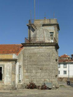 FAROL DE SÃO-MIGUEL-O-ANJO -  Localização Porto, Portugal Coordenadas 41° 8.82′ N 8° 40′ W Construção 1527 Desativação (desconhecido) Altura 7 m № da ARLHS POR-078