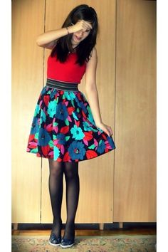 Turquoise-blue-pattren-shoes-black-licra-tights-red-floral-skirt-skirt_400_large