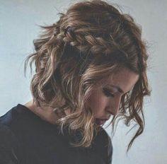 Résultats de recherche d'images pour « cheveux mi longs party noël »