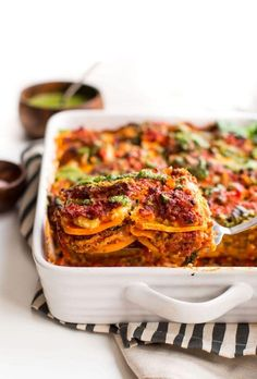 Noodle-less sweet potato lasagna - thin slices of sweet potato between layers of hearty meat sauce, almond ricotta and fresh basil pesto Paleo Lasagna, Paleo Pasta, Lasagna Sauce, Paleo Sweet Potato, Sweet Potato Noodles, Sweet Potato Recipes, Sweet Potatoe Lasagna, Gluten Free Recipes For Lunch, Lunch Recipes