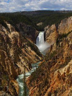 Yellowstone Canyon, Wyoming