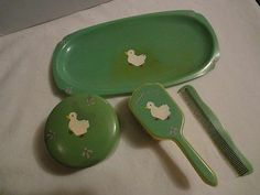 VINTAGE ANTIQUE CELLULOID 1930 PAINTED DUCK BABY COMB BRUSH GIFT SET