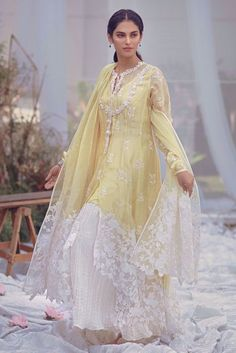 Yellow chiffon jacquard chaddar with embroidered borders and pearl spray. Pakistani Dresses Casual, Pakistani Dress Design, Pakistani Wedding Dresses, Dress Indian Style, Indian Dresses, Party Wear Dresses, Bridal Dresses, Stylish Dresses, Fashion Dresses