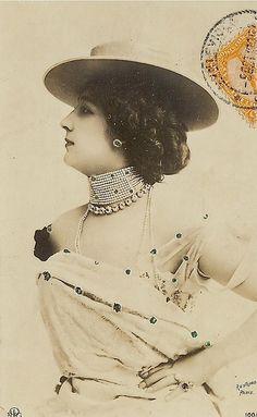 La Belle Epoque - Postcard - Photo by Leopold-Emile Reutlinger, Paris