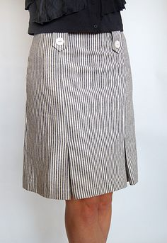 Sewing Skirts love this skirt in cotton ticking Blouse And Skirt, Dress Skirt, Raglan Shirts, Look Chic, Sewing Clothes, Skirt Outfits, Dress Patterns, African Fashion, Spring Fashion
