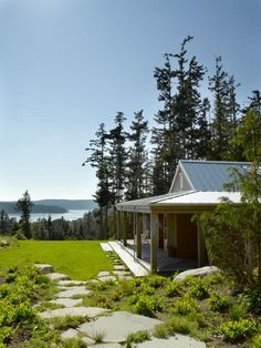Family Camp: Nettly Wood Compound: Designed by Seattle-based architects Tom Bosworth and Steve Hoedemaker