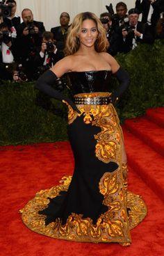 57 Best Badly Dressed Celebrities Images Celebrities