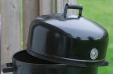 Geeks On Food: How to Use a Brinkman Charcoal Smoker Grill