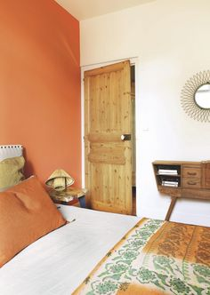 healthy living tips wellness programs for women Orange Rooms, Bedroom Orange, Orange Walls, Accent Wall Bedroom, Room Decor Bedroom, Home Bedroom, Deco Orange, Interior Paint Colors For Living Room, Orange Interior