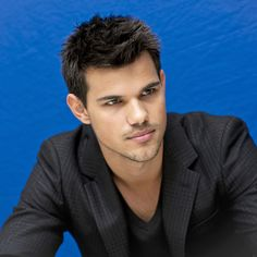 Taylor Lautner.I think he is so hot.Please check out my website thanks. www.photopix.co.nz