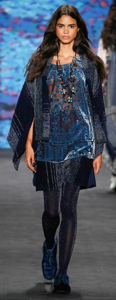ANNA SUI FALL 2015 READY-TO-WEAR