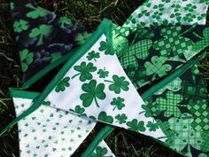 Tons of cute St. Patrick's Day decoration ideas.