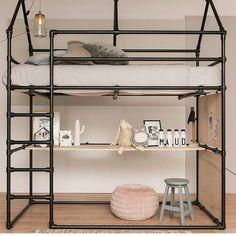 108 vind-ik-leuks, 5 reacties - Thrift & Art Shop Puddifoots (@thriftartshop_puddifoots) op Instagram: 'Beautifull bed, isnt it. Made by @steigerbuisgroothandel.nl…'