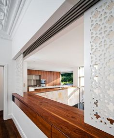 Contemporary Remodeled House in Australia: Sophisticated Honiton Residence Wall Construction Using White Wall White Crafted Wood Partition W. Living Room Kitchen, Home Decor Kitchen, Kitchen Interior, Apartment Kitchen, Dining Room, Spa Interior, Interior Design, Folding Partition, Partition Walls
