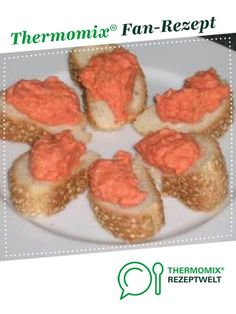 griechischer Brotaufstrich (Paprika-Fetakäse) greek spread (bell pepper feta cheese) from clkabo. A Thermomix ® recipe from the Sauces / Dips / Spreads category on www.de, the Thermomix ® Community. Roasted Red Pepper Pasta, Queso Feta, Pumpkin Pie Recipes, Greek Recipes, Smoothie Recipes, Food Processor Recipes, Food And Drink, Tasty, Stuffed Peppers