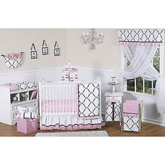 Create the look of a royal palace for your little miss with the Sweet Jojo Designs Princess Black, White, and Pink Crib Bedding Collection. This beautiful collection features a graphic black-and-white print with pretty pink accents.