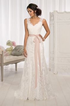 The most popular wedding gowns of 2014: Essense of Australia, Style D1639