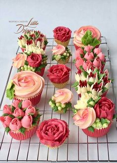 Cupcake Bouquet Discover Tea Cups and Cupcakes Fancy Cakes, Cute Cakes, Pretty Cakes, Mini Cakes, Cupcakes Flores, Floral Cupcakes, Cupcake Bouquets, Flower Cupcake Cake, Food Bouquet