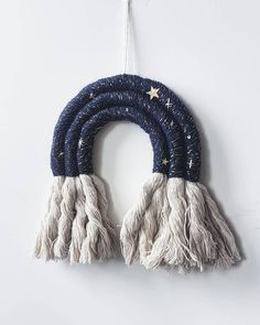 😻Big size *Alpaca wallhanging is now avaliable. Only 2 avaliable 😍😍😘 . Macrame Wall Hanging Diy, Rainbow Crafts, Rainbow Wall, Macrame Projects, Macrame Patterns, Handmade Decorations, Yarn Crafts, Handmade Gifts, Etsy