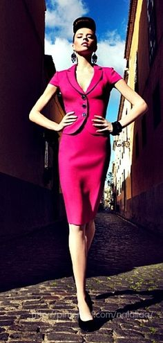 Walk tall and be proud like this lady in bright pink. Lawyer Fashion, Office Fashion, Casual Dresses, Short Dresses, Dresses For Work, Skirt Fashion, Love Fashion, High Fashion, Stylish Office Wear